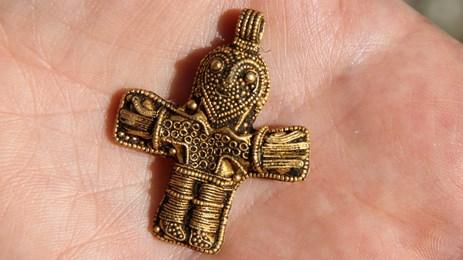 Dennis endrer danmarks kristne historie med metallsøker